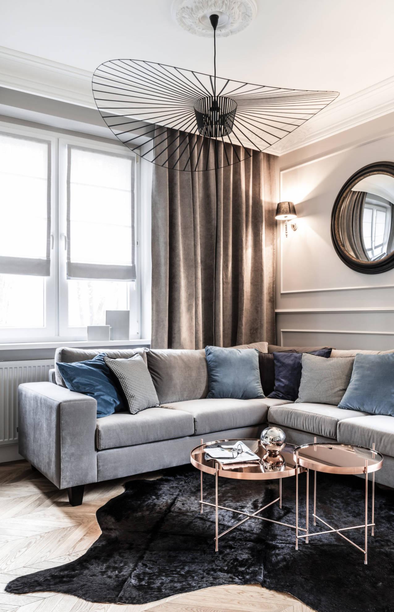 Aranżacja salonu w mieszkaniu w kamienicy - projekt architekt wnętrz Emilia Strzempek Plasun, realizacja SAS Wnętrza i Kuchnie