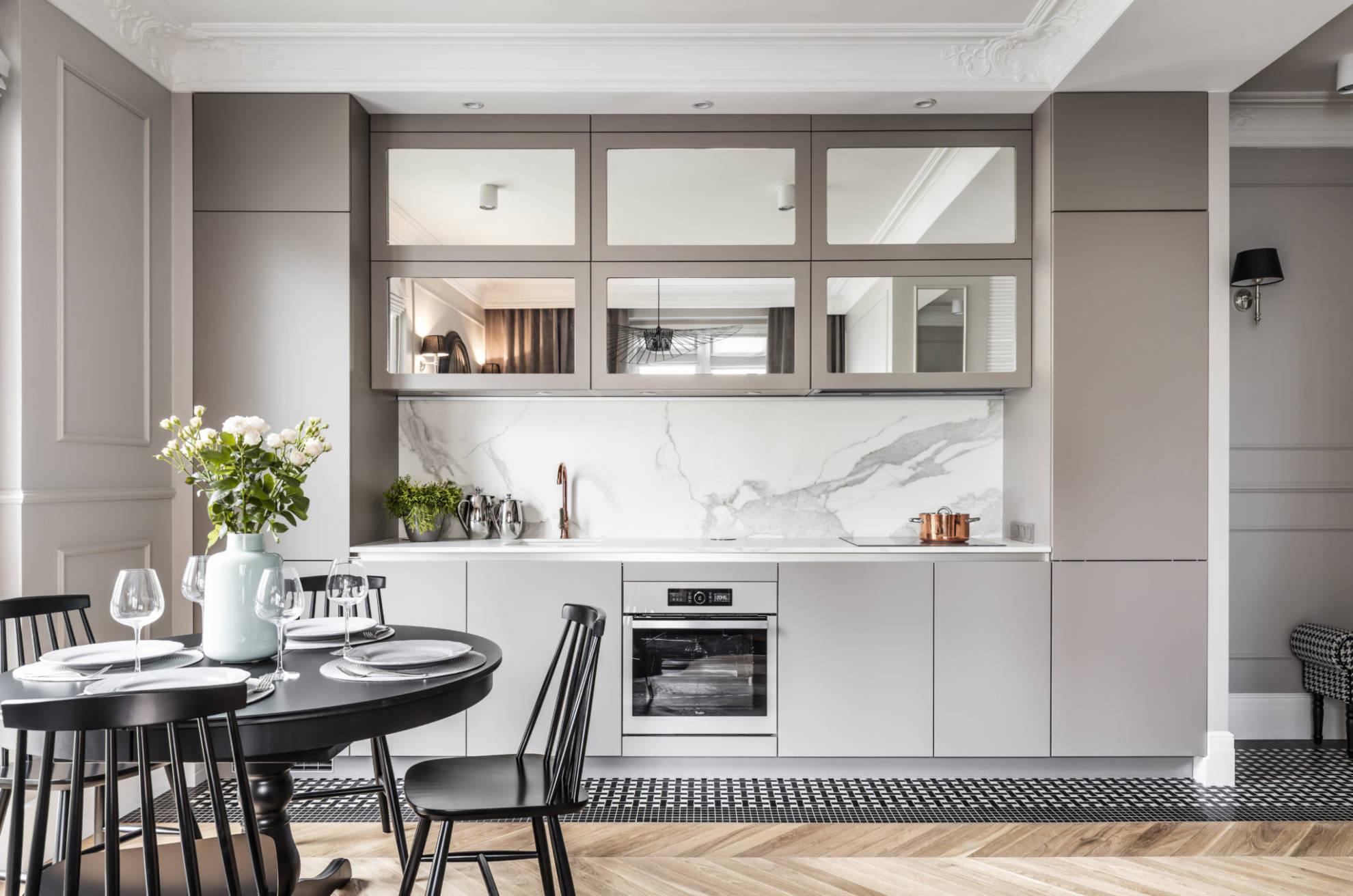 Otwarta kuchnia - meble kuchenne realizacja SAS Wnętrza i Kuchnie, projekt architekt wnętrz Emilia Strzempek Plasun
