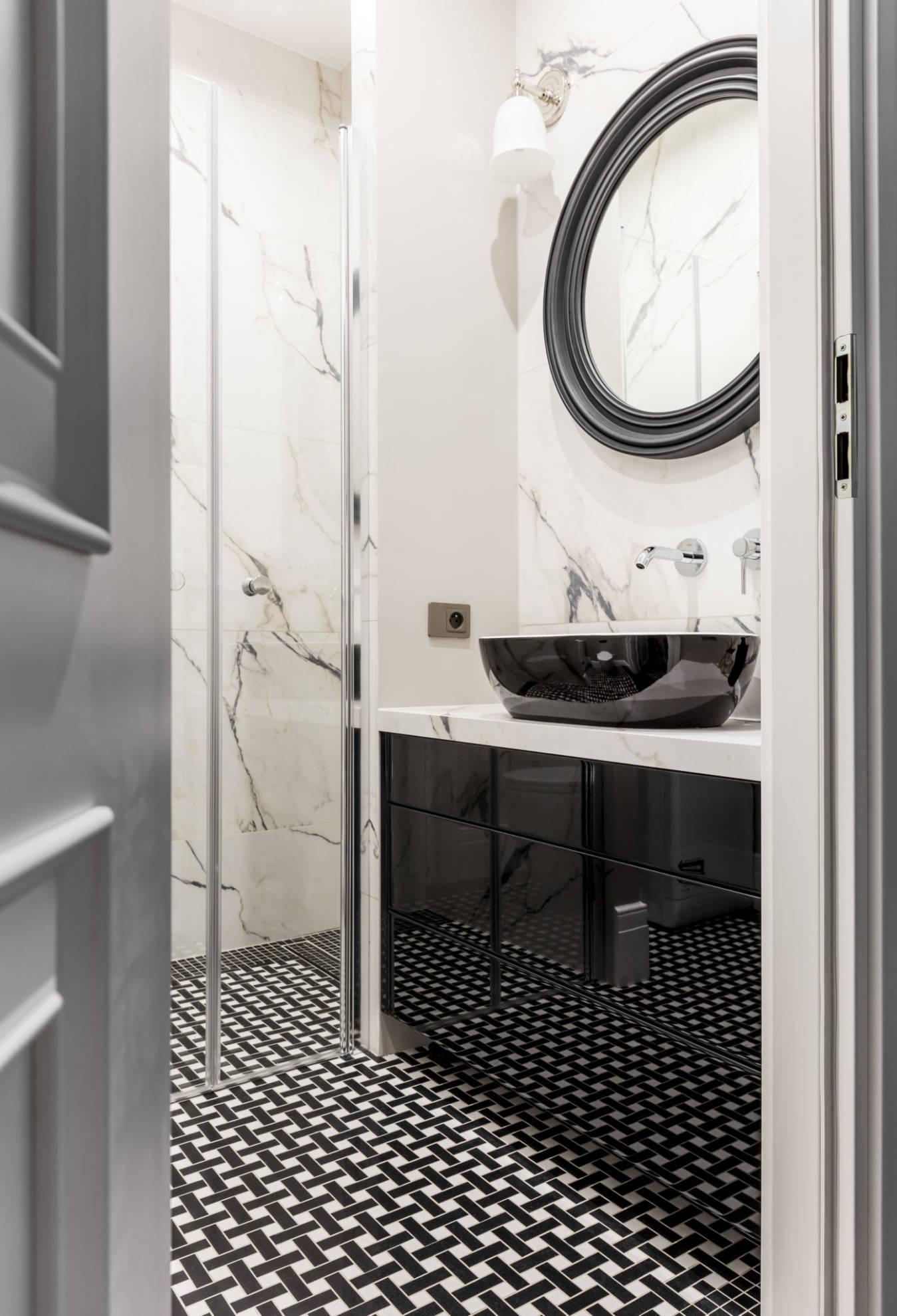Aranżacja łazienki - projekt architekt wnętrz Emilia Strzempek Plasun, meble na wymiar SAS Wnętrza i Kuchnie