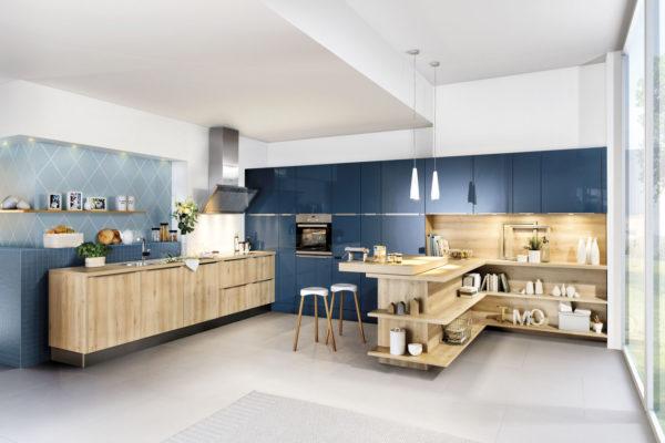 Meble kuchenne na wymiar z naturalnego drewna - wykonanie SAS Wnętrza i Kuchnie. Projekt architekt wnętrz Emilia Strzempek Plasun.