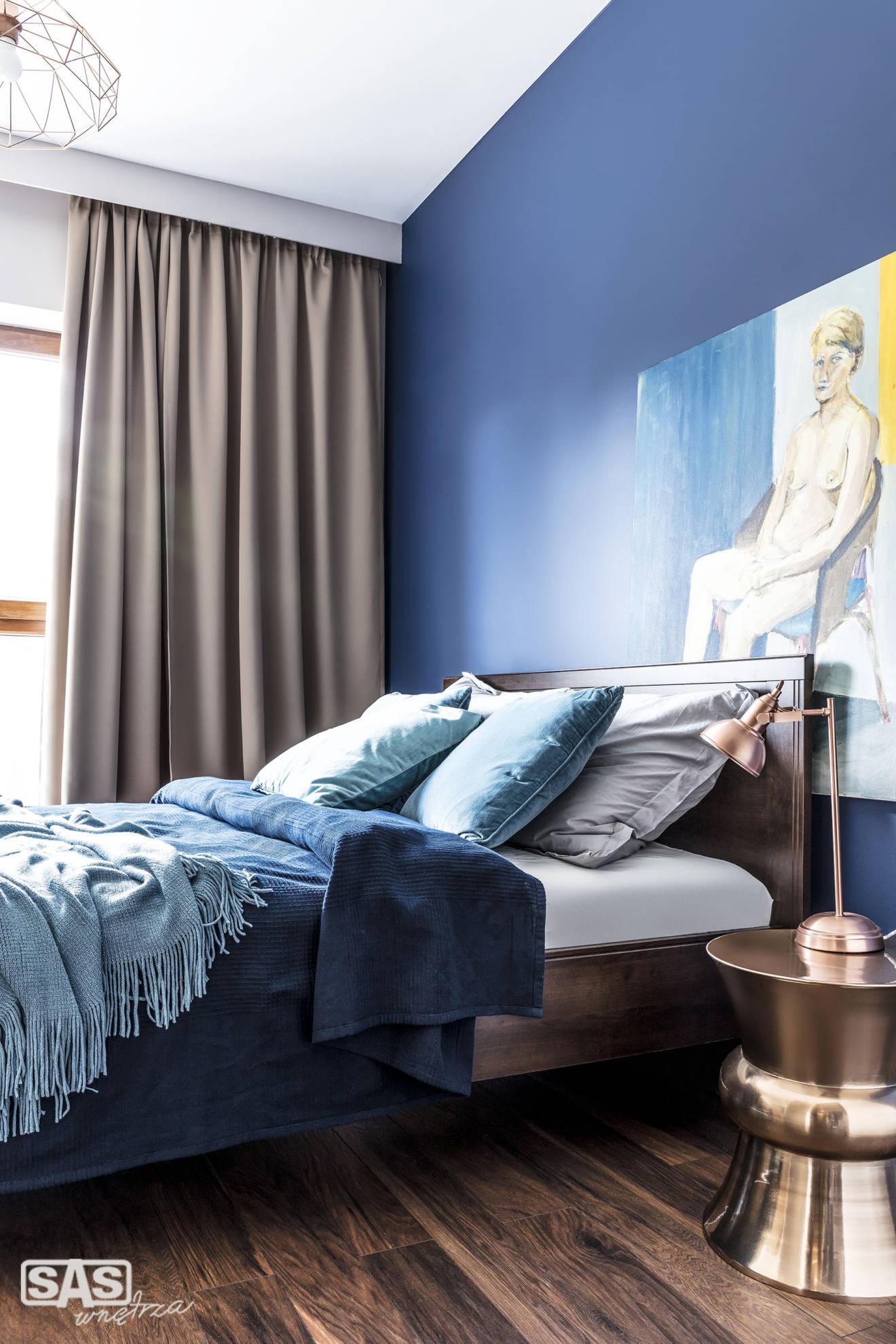 Aranżacja sypialni w apartamencie - projekt architekt wnętrz Emilia Strzempek Plasun.