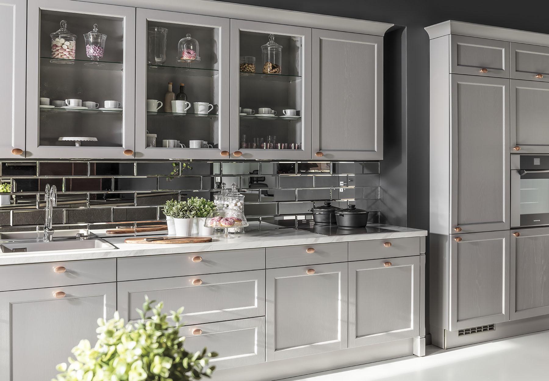 Meble kuchenne Bristol - szuflady i witryna - kuchnie w ofercie SAS Wnętrza i Kuchnie