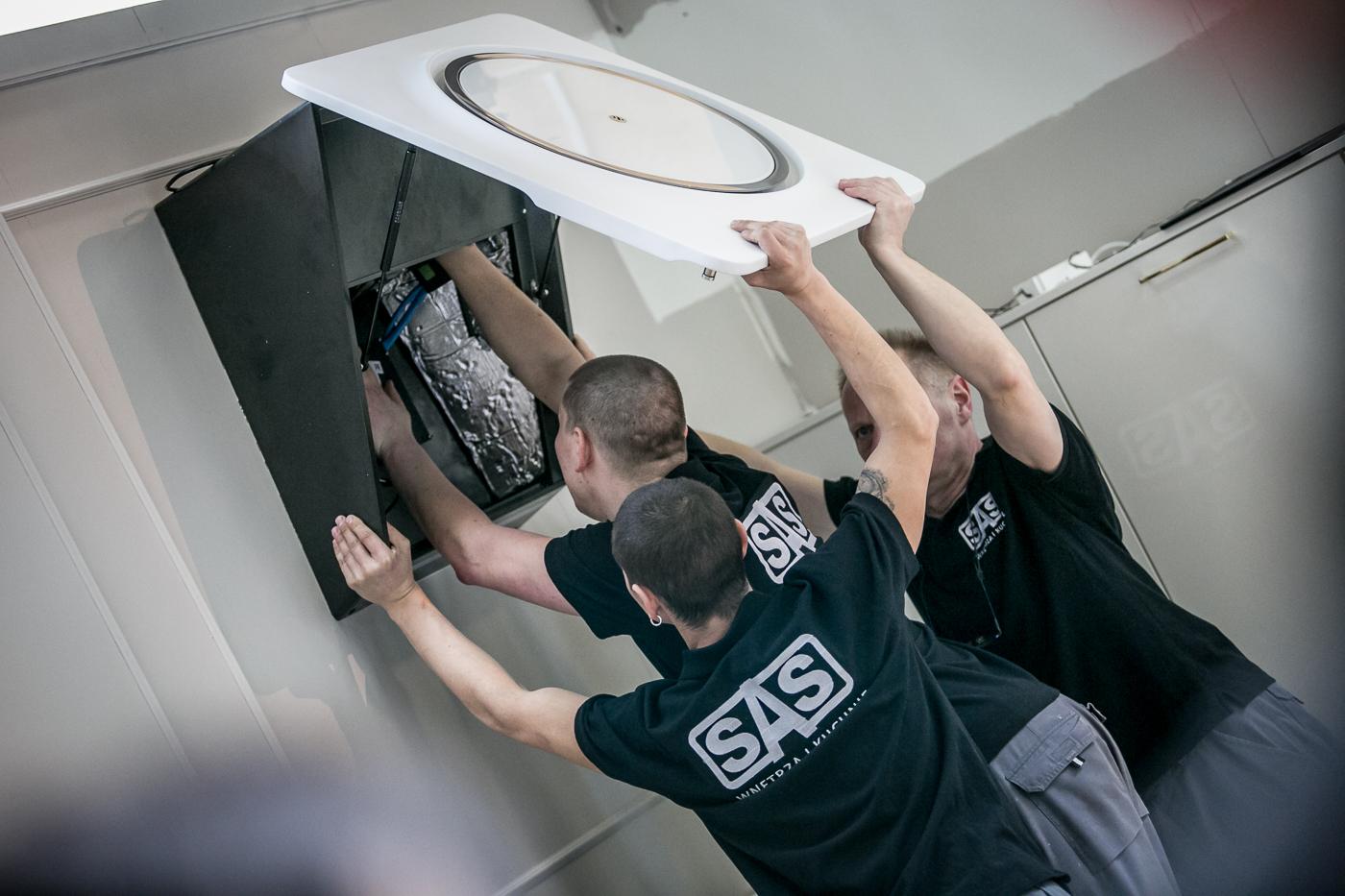 Montaż pochłaniacza zapachów - kuchnie w ofercie SAS Wnętrza i Kuchnie