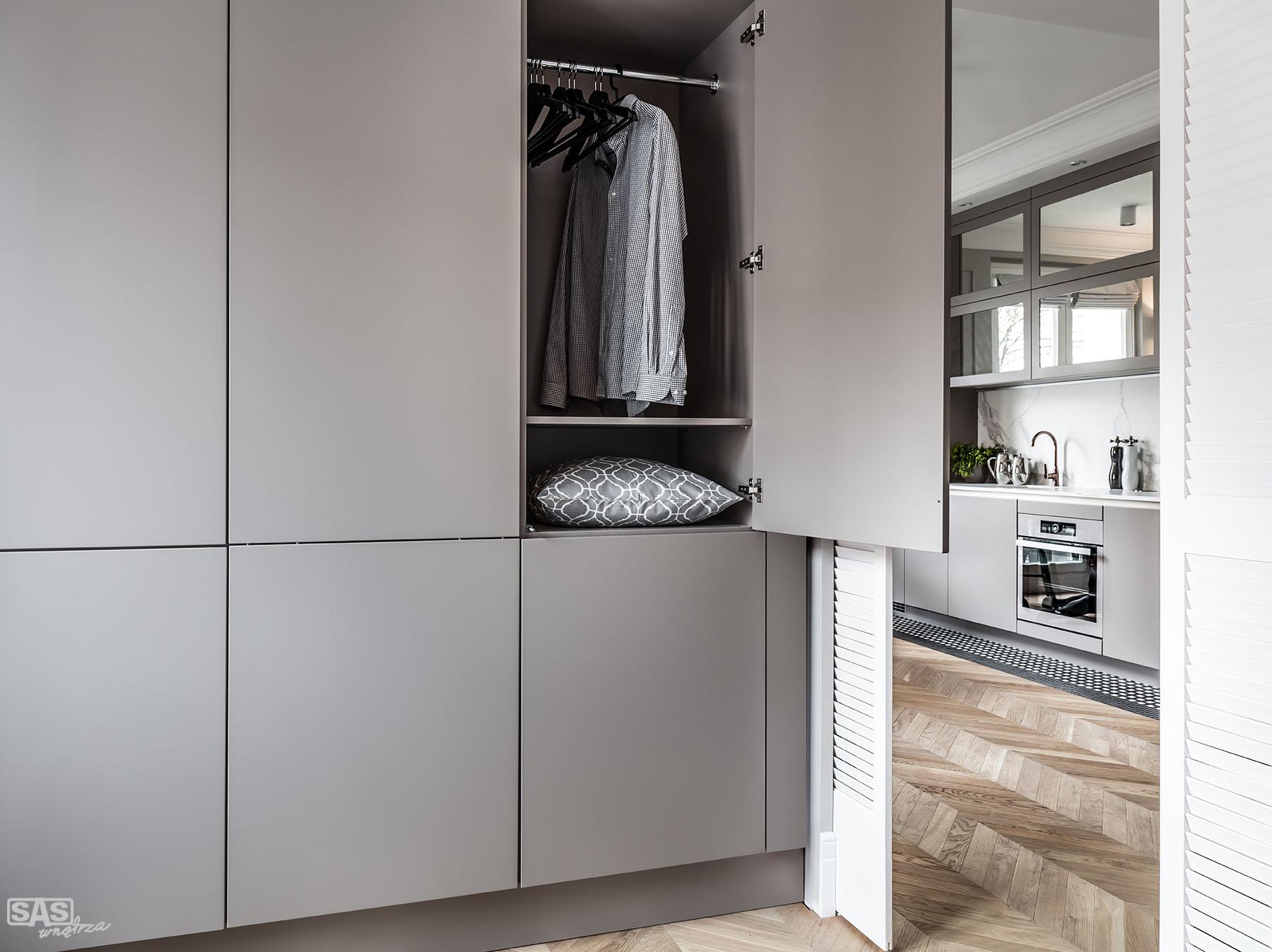 Sypialnia i meble na wymiar - meble SAS Wnętrza i Kuchnia, projekt architekt wnętrz Emilia Strzempek Plasun.