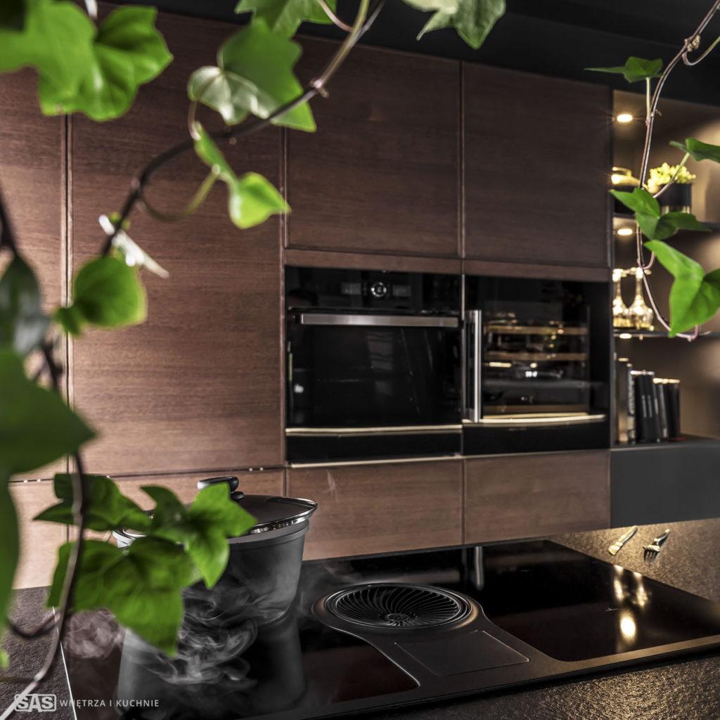 Meble kuchenne na wymiar Black Star - zabudowa sprzętu AGD - meble kuchenne SAS Wnętrza i Kuchnia, projekt architekt wnętrz Emilia Strzempek Plasun.