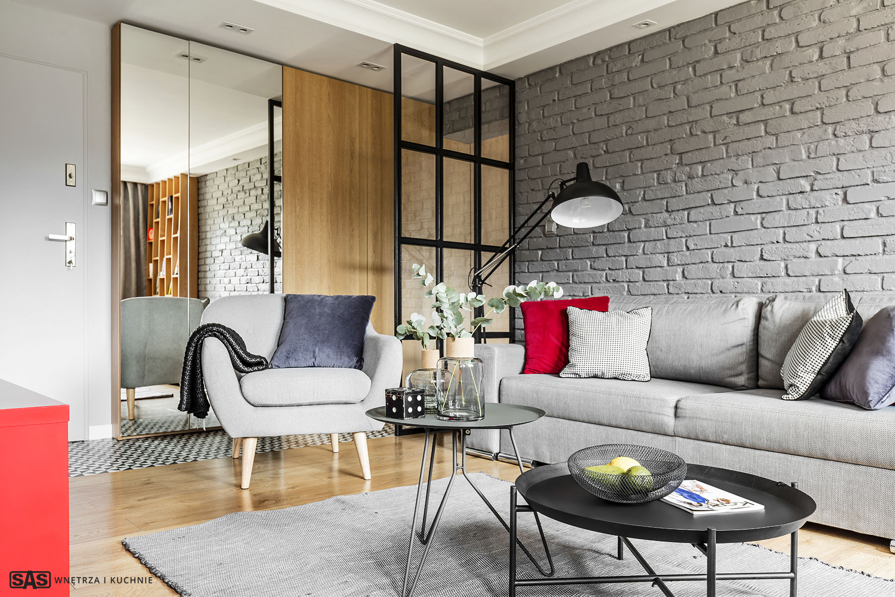 Aranżacja salonu - meble w przedpokoju na wymiar wykonanie SAS Wnętrza i Kuchnie - projekt architekt wnętrz Emilia Strzempek Plasun.