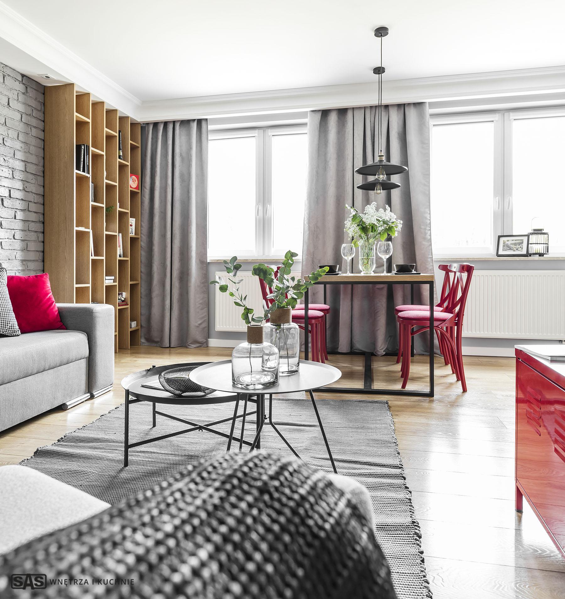 Aranżacja jadalni i pokoju dziennego - meble na wymiar wykonanie SAS Wnętrze i Kuchnie - projekt architekt wnętrz Emilia Strzempek Plasun.