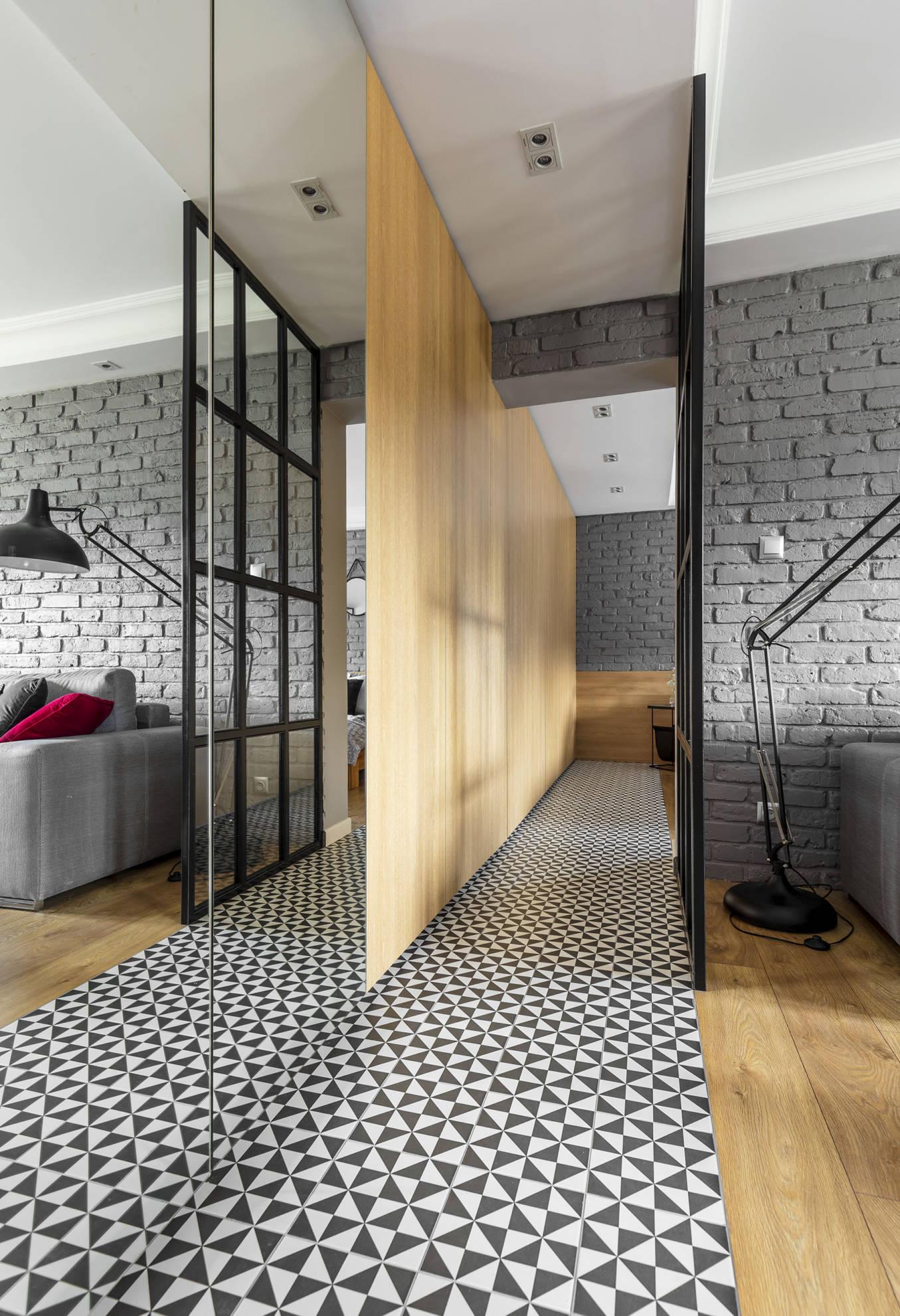 Aranżacja korytarza - meble w zabudowie wykonanie SAS Wnętrze i Kuchnie - projekt architekt wnętrz Emilia Strzempek Plasun.