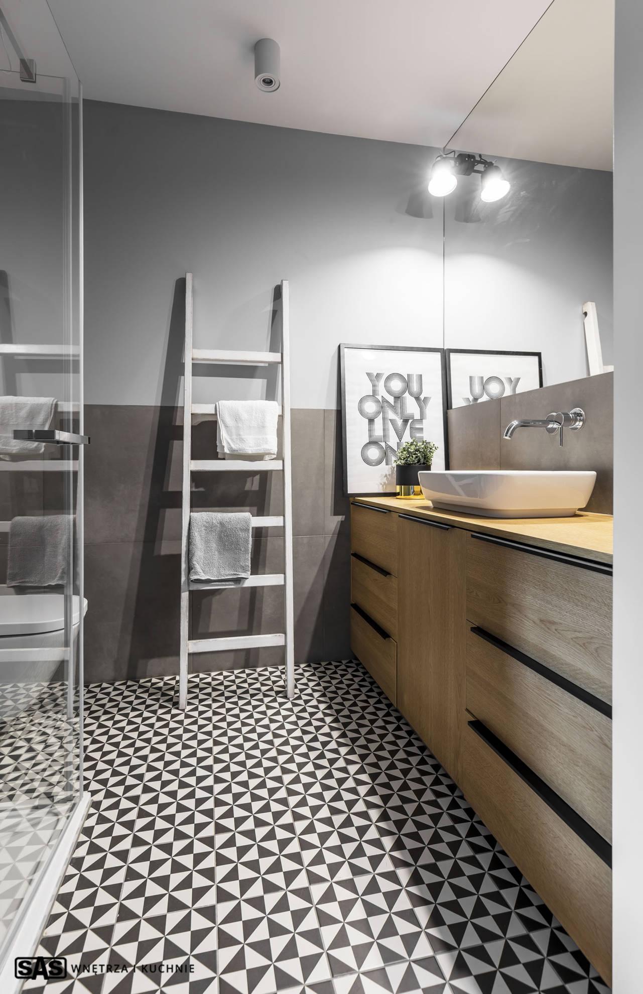 Aranżacja łazienki - meble łazienkowe na wymiar wykonanie SAS Wnętrze i Kuchnie - projekt architekt wnętrz Emilia Strzempek Plasun.