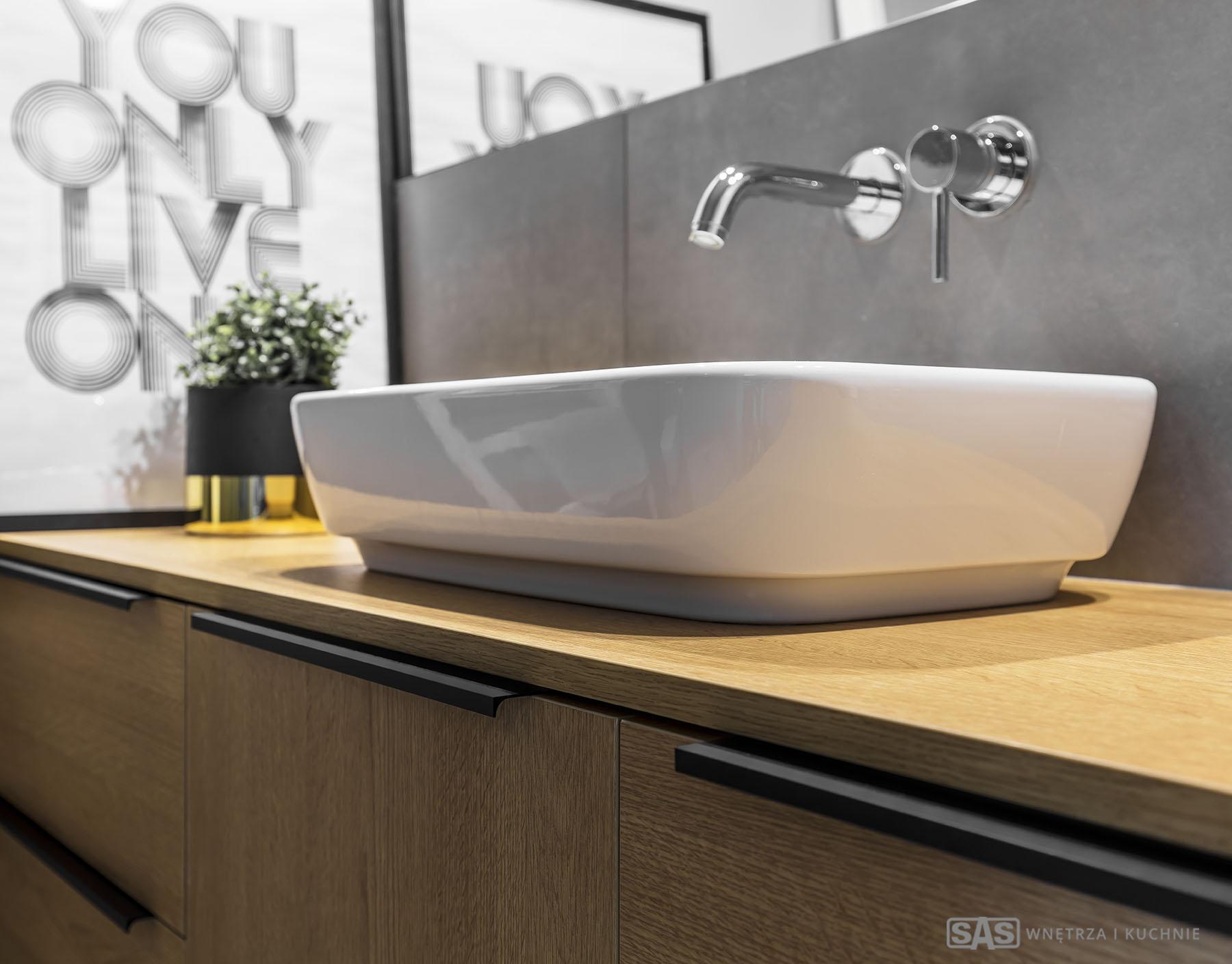 Aranżacja łazienki - meble w zabudowie wykonanie SAS Wnętrze i Kuchnie - projekt architekt wnętrz Emilia Strzempek Plasun.