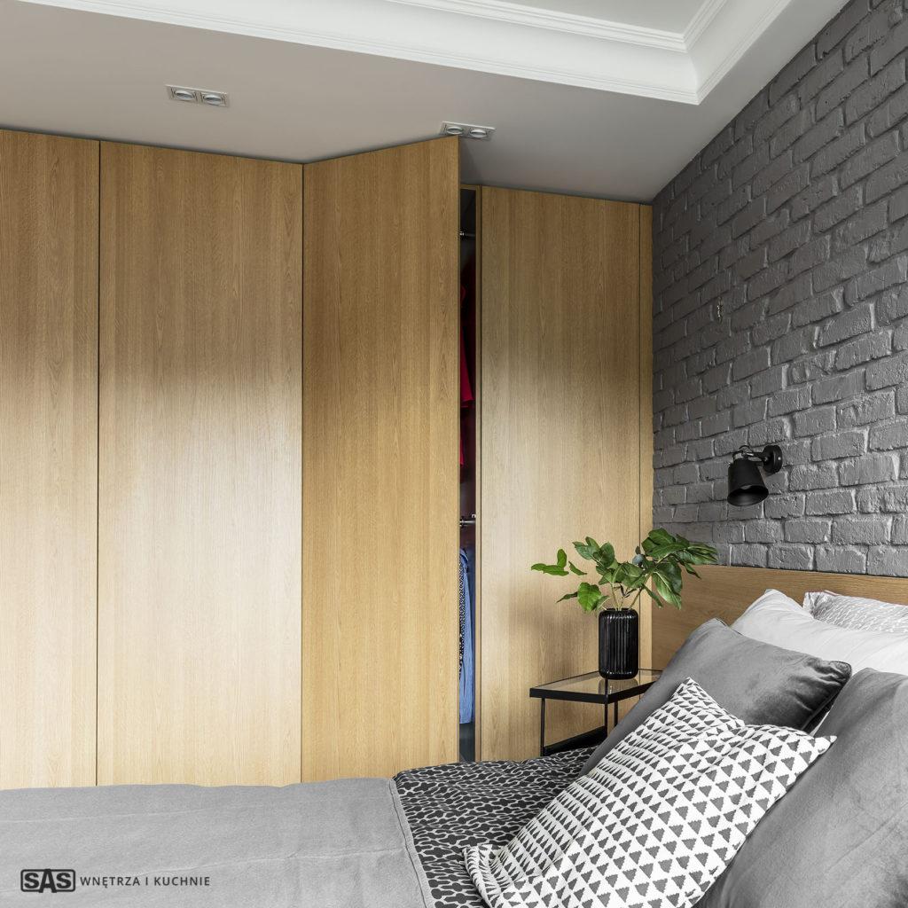 Aranżacja sypialni w mieszkaniu - meble w zabudowie wykonanie SAS Wnętrze i Kuchnie - projekt architekt wnętrz Emilia Strzempek Plasun.