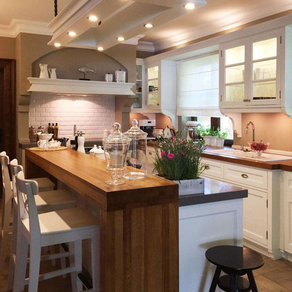 Kuchnia domu jednorodzinnego - meble kuchenne na wymiar.