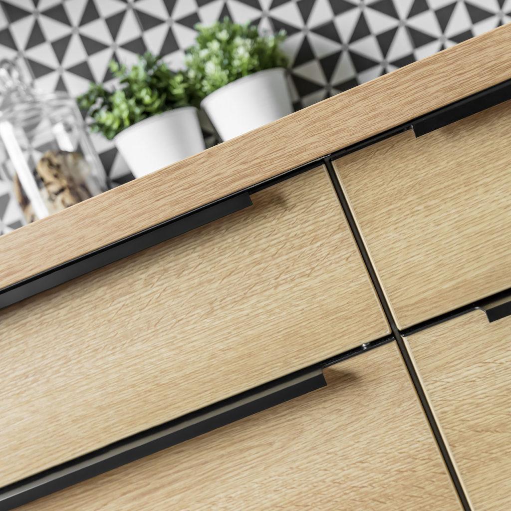 Meble kuchenne na wymiar - detal - szuflady - wykonanie SAS Wnętrza i Kuchnie. Projekt architekt wnętrz Emilia Strzempek Plasun.