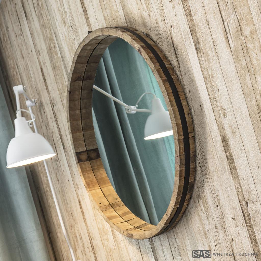 Wnętrza zaprojektowane przez architekta wnętrza Emilię Strzempek Plasun, detal: lustro, lampa